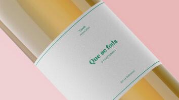 Que se f***: O vinho que ficou viral está de volta, agora em verde, para comemorar o campeonato